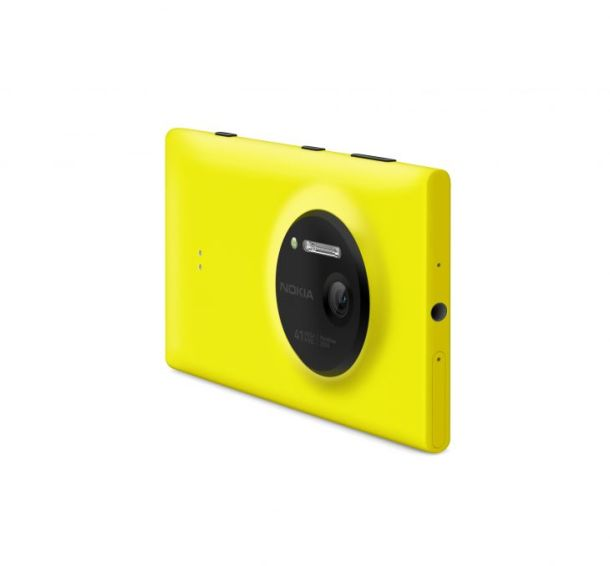 700-nokia_lumia_1020_back